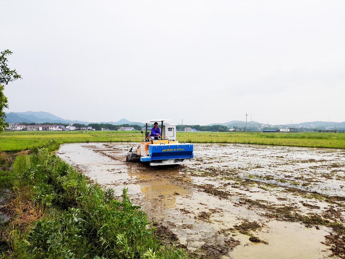 案例3-农田深翻耕、修复撒药一体化设备-u.jpg
